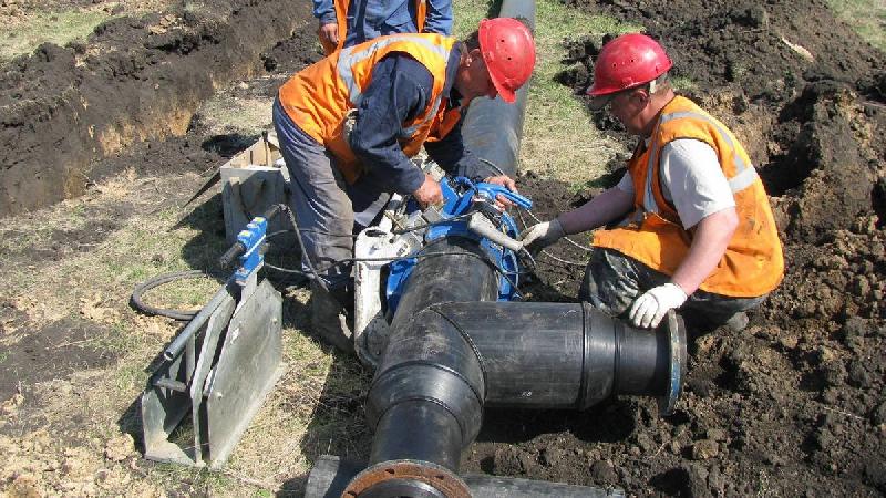 Более 4 км магистрального водовода заменят в Рославле Смоленской области