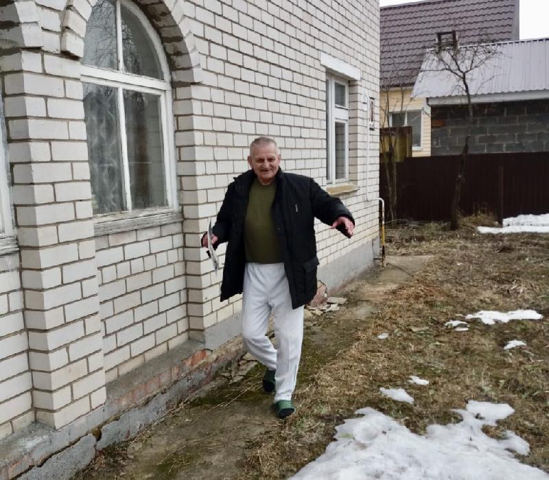 Волонтеры помогли пожилому смолянину вернуть зрение