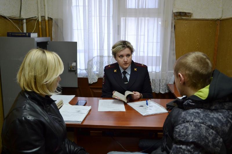 В Смоленской области проверили семьи в социально-опасном положении