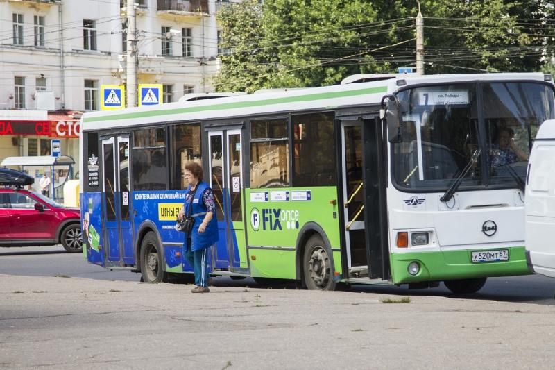 В Смоленске автобусы перешли на летнее расписание