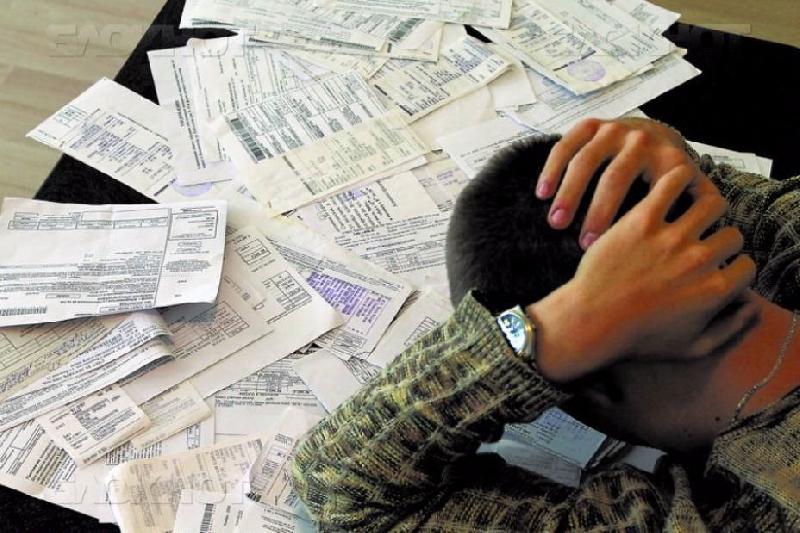 Директор смоленской фирмы задолжал банкам и коммунальщикам почти миллион