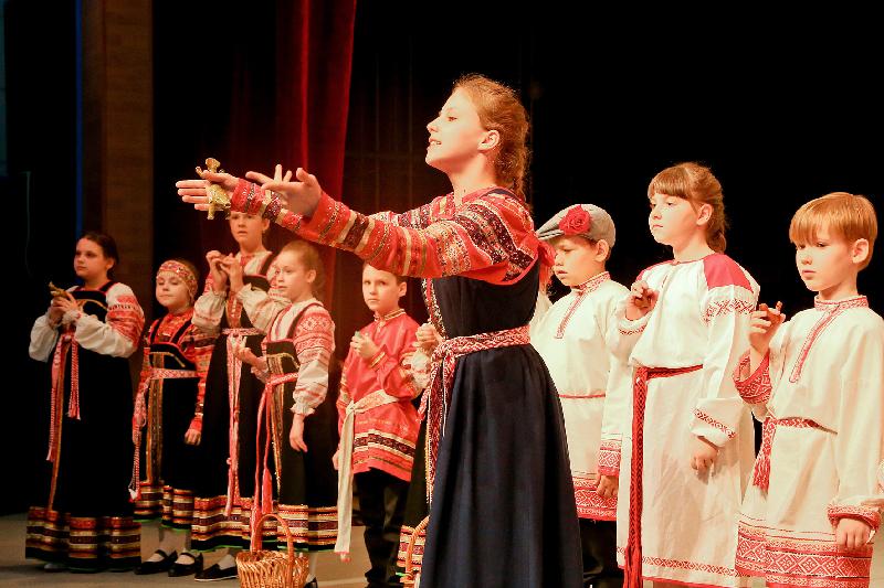 В Десногорске презентовали международный проект народного творчества «Смоленский рожок»