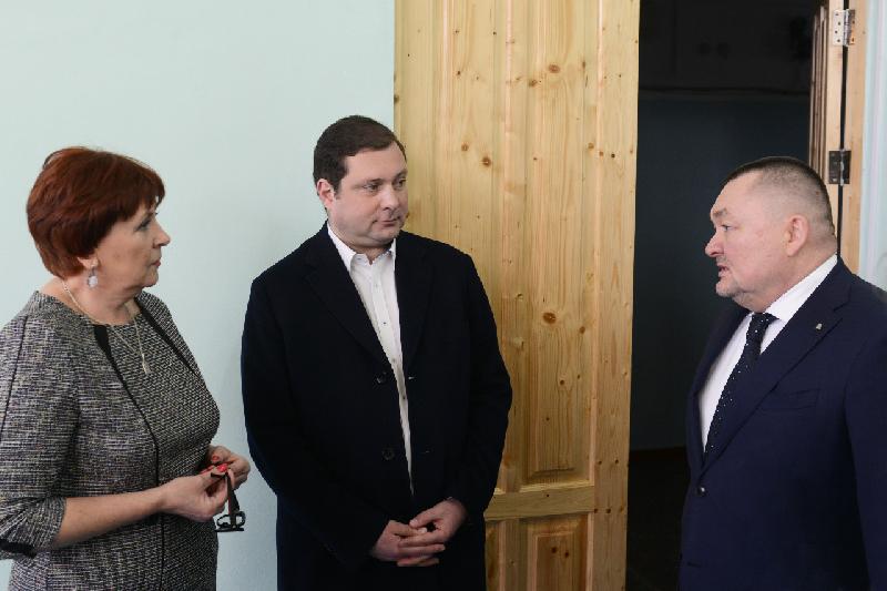 Губернатор Смоленской области посетил социальные учреждения Дорогобужского района