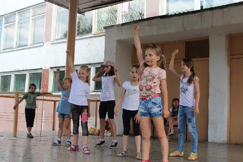 В смоленских школах откроются 41 лагерь дневного пребывания