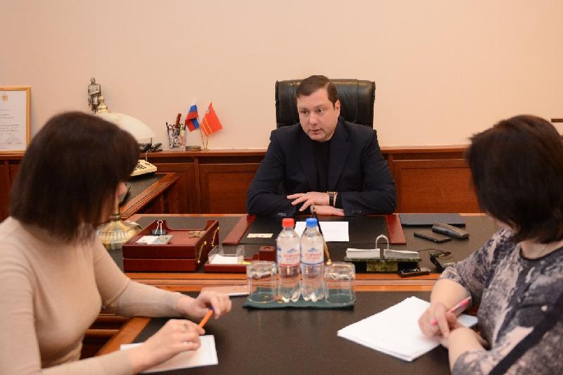 Алексей Островский провел совещание, посвященное вопросу организации льготного отдыха смолян в городе Сочи