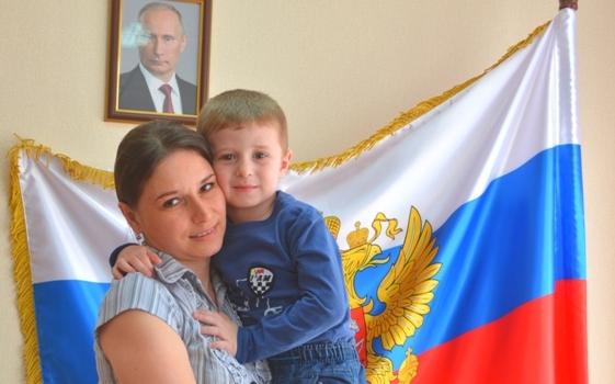 Супруги-мигранты, не видевшие друг друга 10 лет, встретились в Смоленске