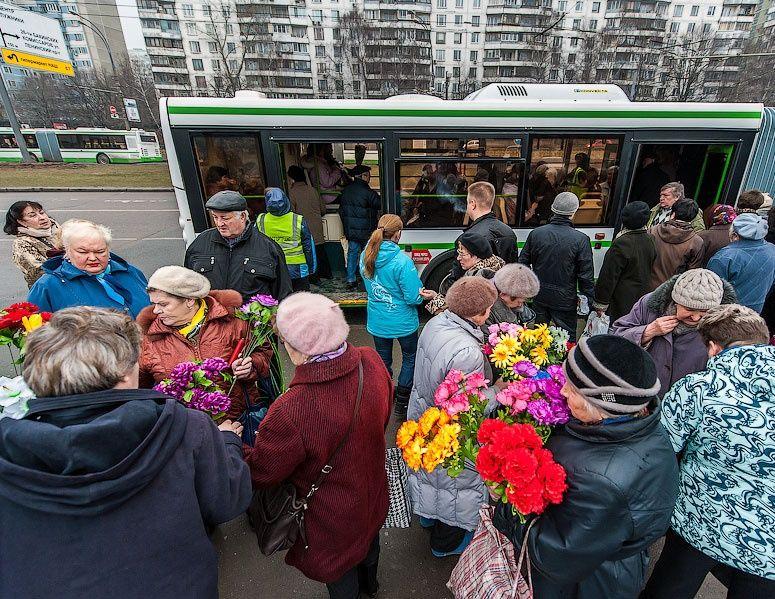 В Смоленске на Пасху и Радоницу пустят дополнительные автобусные рейсы