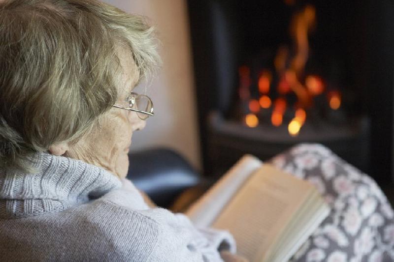 В Смоленской области сельские жители спасли пожилых соседей из огня