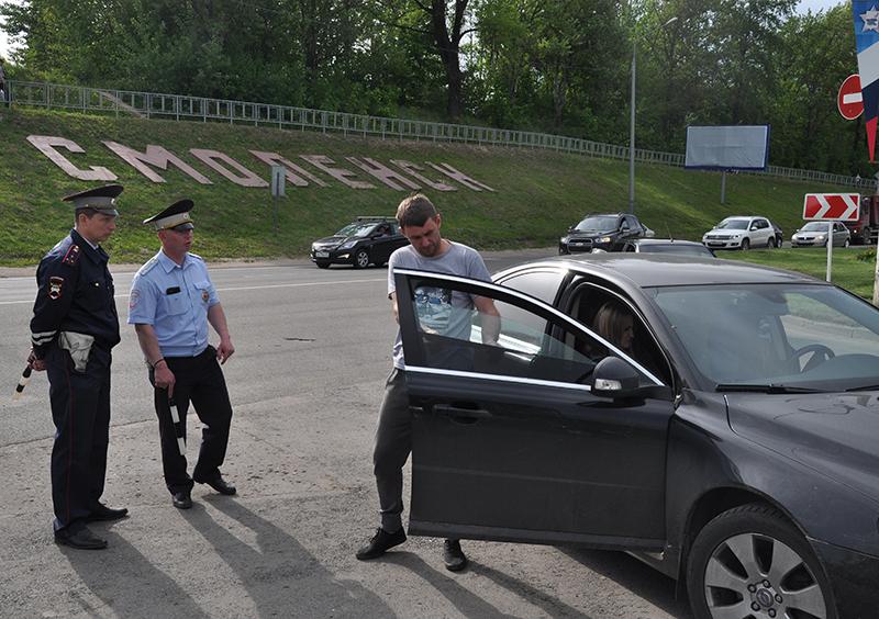 Смоленские полицейские поймали более 230 «наглухо затонированных» авто