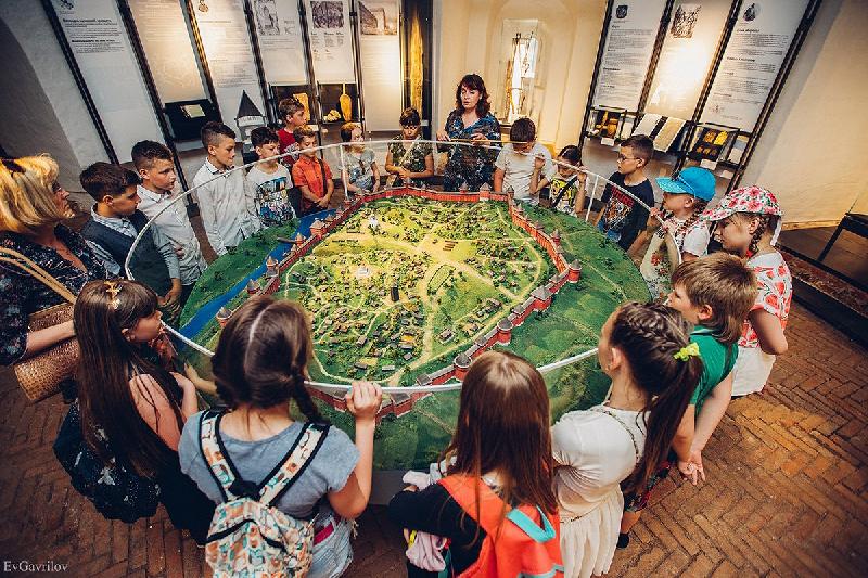 Смолян приглашают на бесплатные экскурсии в «Башню Громовую»