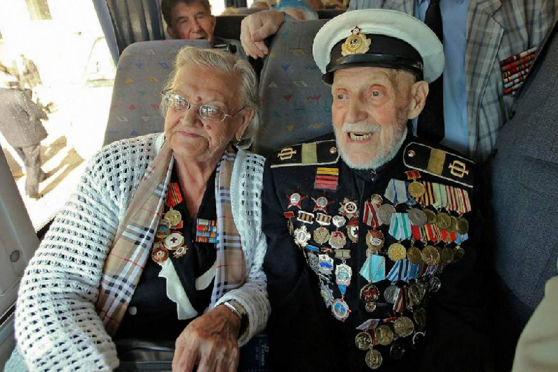 Смоленским ветеранам на 9 Мая подарят бесплатный проезд