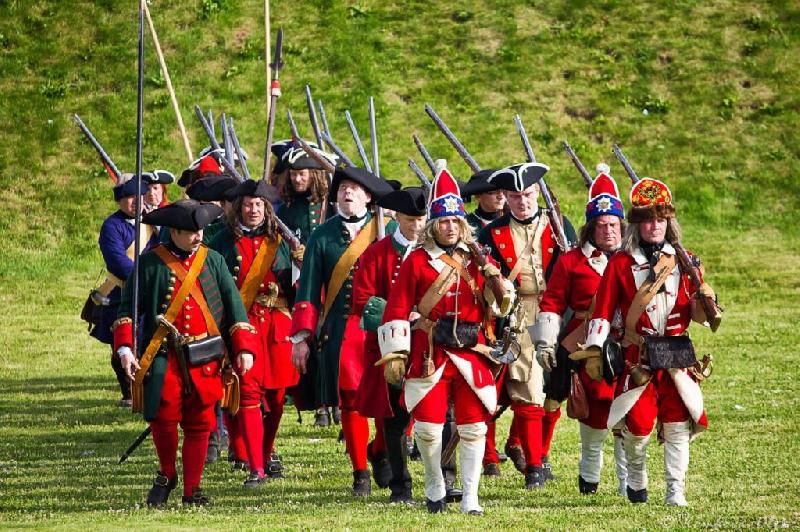 «Щи, фейерверк и бал». Смолян приглашают на военно-исторический фестиваль «Неведомая баталия»
