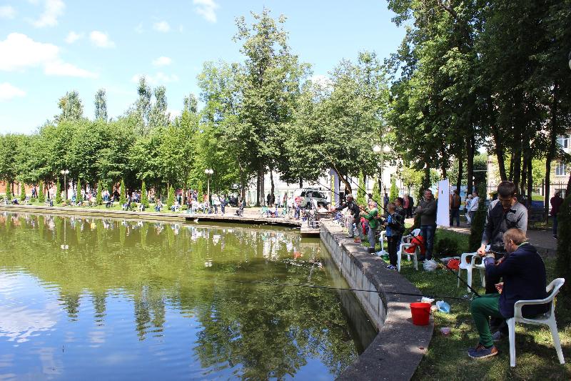 В Смоленске отметили День рыбака богатым уловом