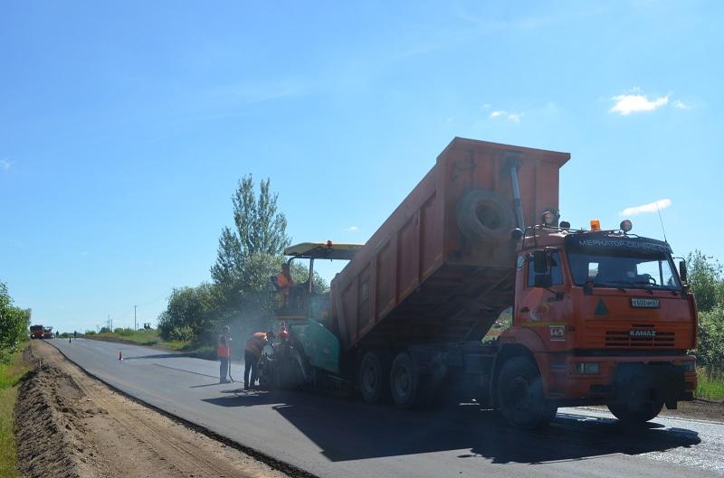 В Смоленской области ремонтируют семь региональных дорог