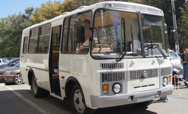 Приставы арестовали транспорт одного из пассажирских перевозчиков Смоленской области