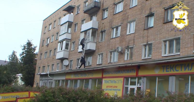 «Штурм через балкон». В Смоленске прикрыли дезоморфиновый притон