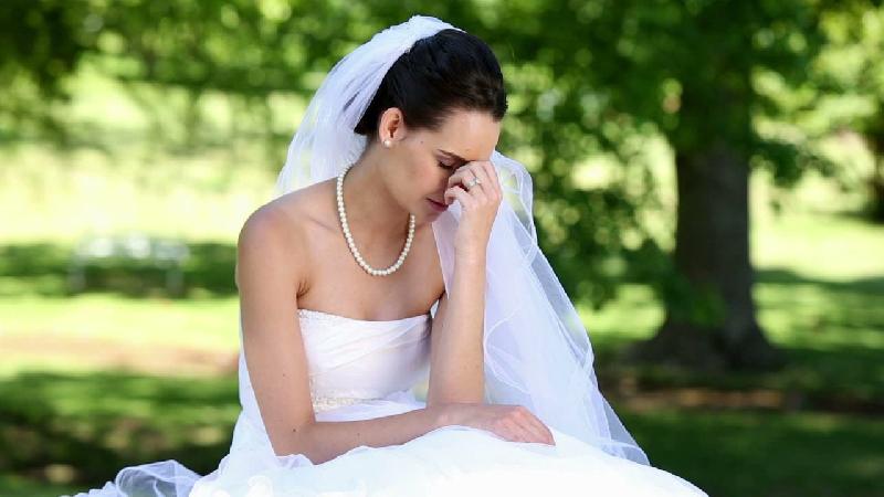 В Смоленске «недофотограф» испортила свадьбу молодоженам