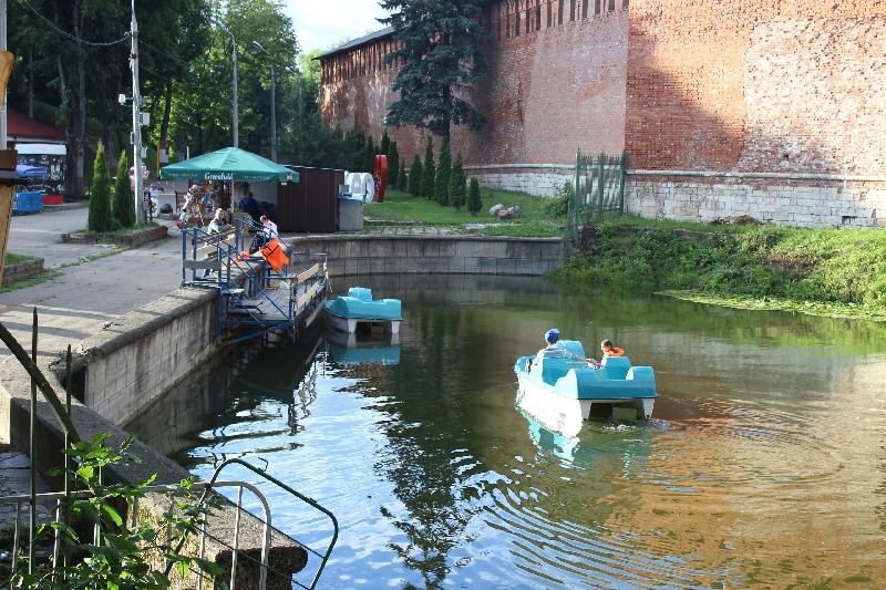 «Почём?» В центральном парке Смоленска появился новый водный аттракцион