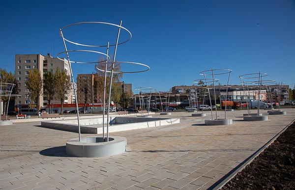 Почему не работает фонтан в сквере «Крылатые земляки» в Смоленске