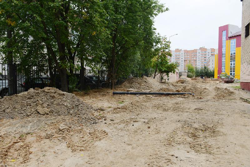 «Чтобы не было грязи». Территорию возле 33-й школы Смоленска обустроят