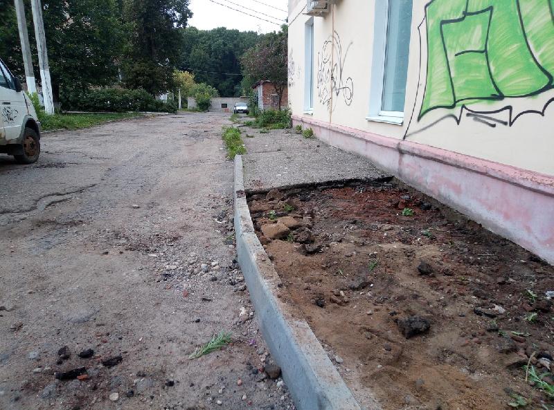 Смоляне пожаловались губернатору на отремонтированные дороги