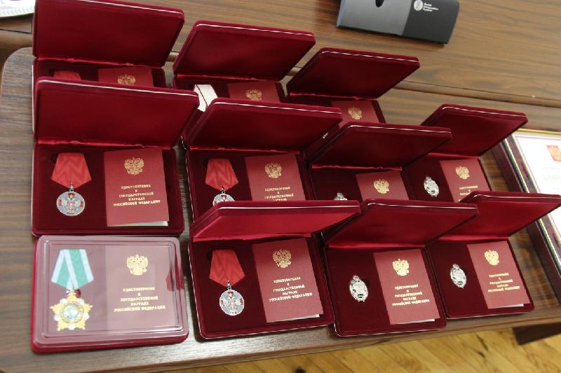 Смоляне получили государственные награды из рук Алексея Островского