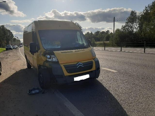 Полиция ищет свидетелей смертельного ДТП с фургоном в Смоленской области