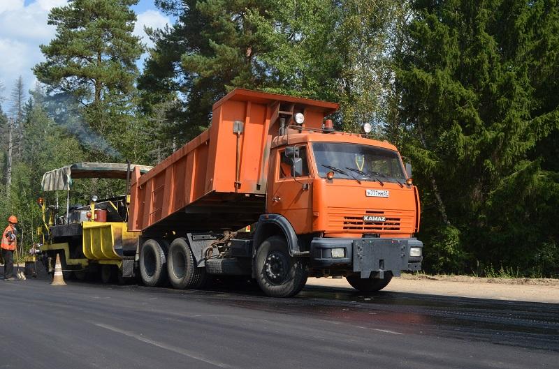 «Смоленскавтодор» ремонтирует дорогу в Ярцевском районе