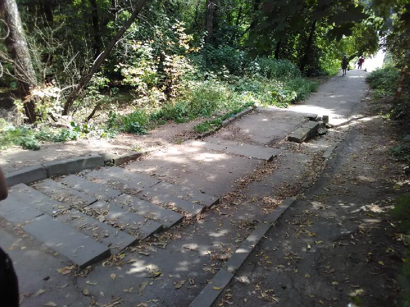 Губернатор поручил найти варианты благоустройства моста через Рачевку в Смоленске