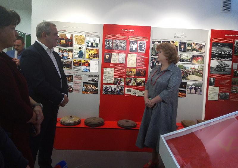 Сергей Неверов посетил уникальный музей в Смоленской области