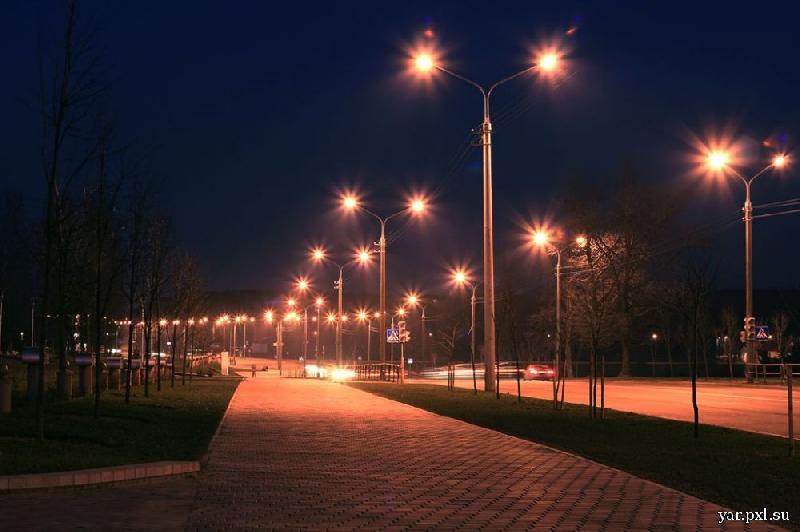 «Лампы в фонарях должны гореть». Губернатор потребовал наладить работу уличного освещения в Смоленской области