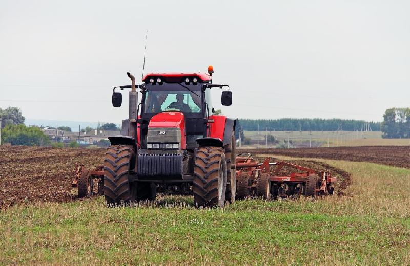 В Смоленской области создают машинно-тракторную станцию
