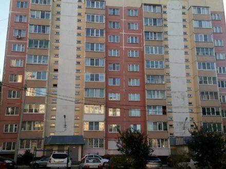 В Смоленске устранили опасный для 10-этажки провал грунта