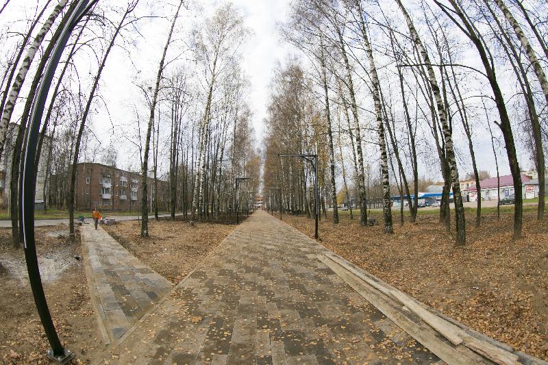Реконструкция бульвара «60-летия ВЛКСМ» в Смоленске проходит чисто