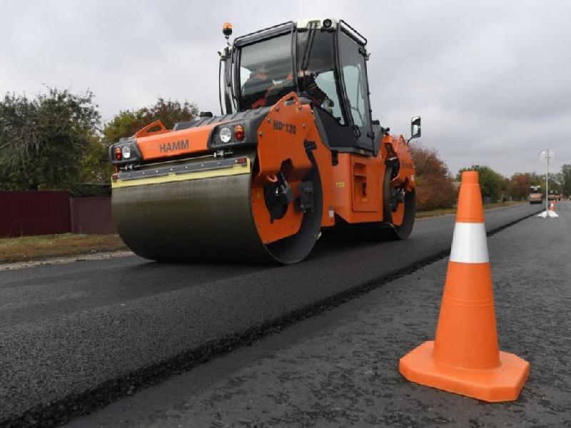 «До зимы не затянут?» Как в Смоленской области продвигается ремонт дорог