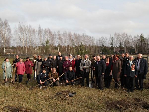 К 120-летию Михаила Исаковского в Угранском районе заложили фруктовый сад