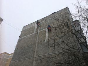 В Смоленске ремонтируют дом