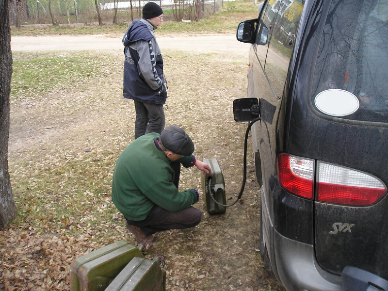 Из авто смолян исчезает бензин