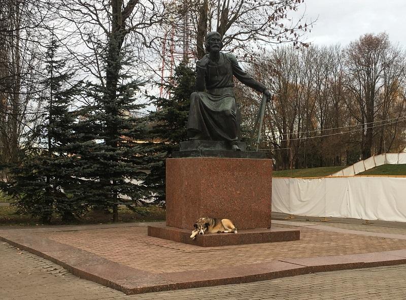 Завтра в Смоленске будут выбирать место для памятника Полкану