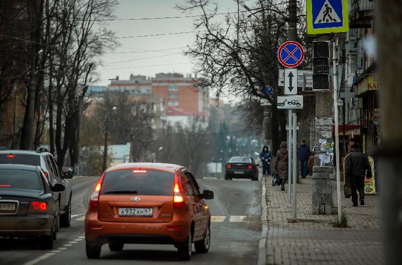 Второй светофор установили на одной из центральных улиц Смоленска
