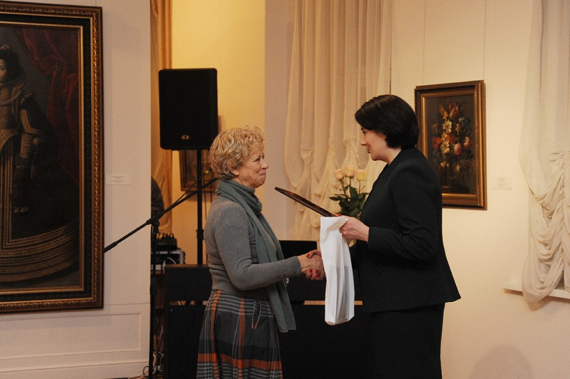 Талантливые смоляне получили областные стипендии