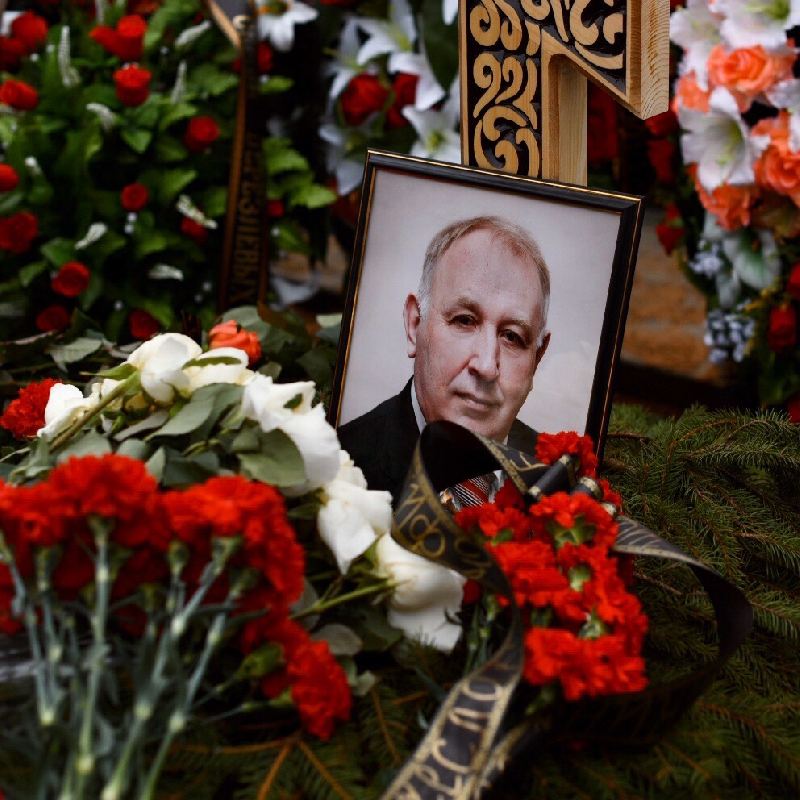Губернатор Смоленской области простился главой Сафоновского района Вячеславом Балалаевым