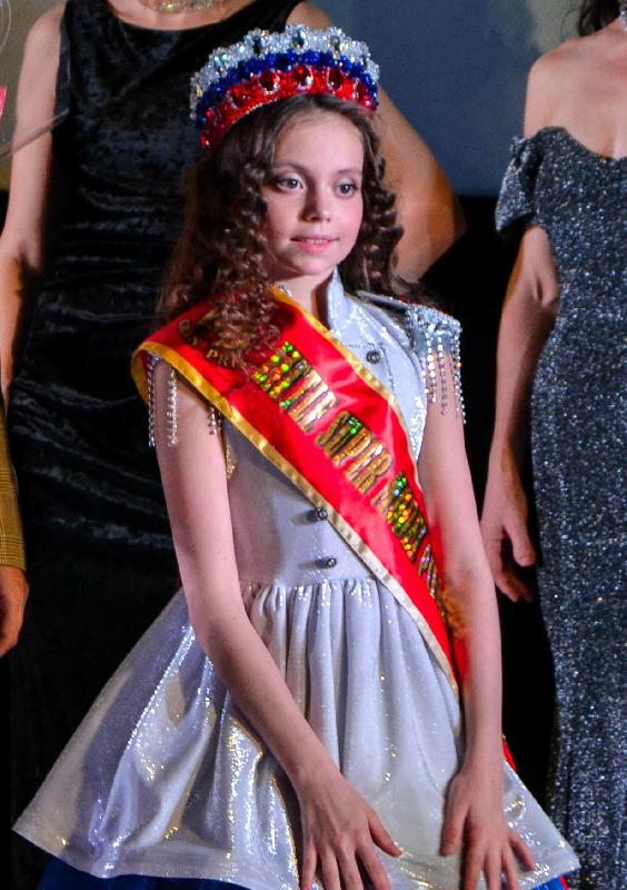 Юная смолянка в третий раз стала лучшей моделью года в России