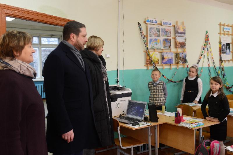 В Шумячском районе открыли памятную доску Народному учителю СССР