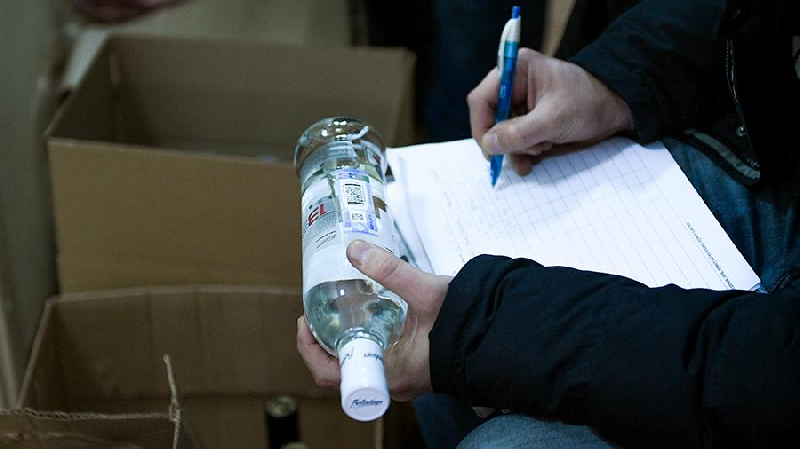 Смолян будут судить за незаконный оборот этилового спирта и табака