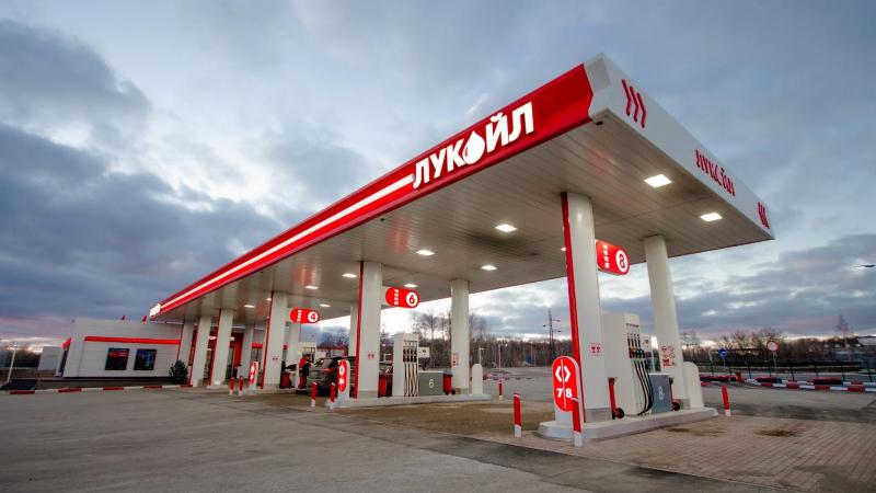 В Смоленской области перед Новым годом подорожал бензин