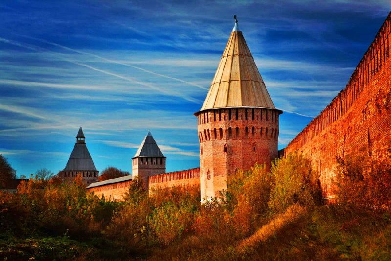 «Музеи, кафе, гостиницы». Вокруг Смоленской крепостной стены закольцуют туристический маршрут