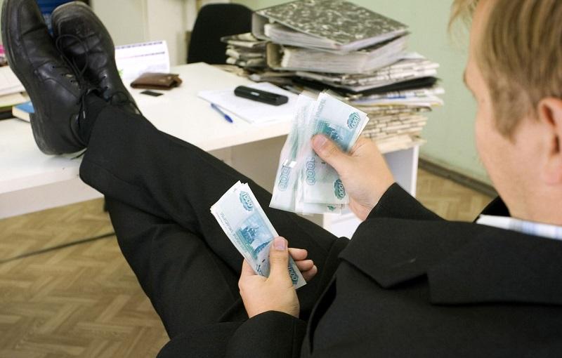 Смоленская фирма задолжала налоговой почти 200 тысяч рублей