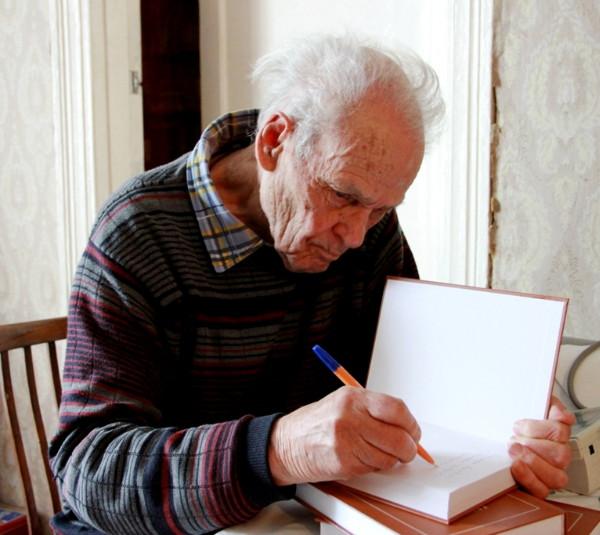 Ушел из жизни известный смоленский литератор Евгений Алфимов