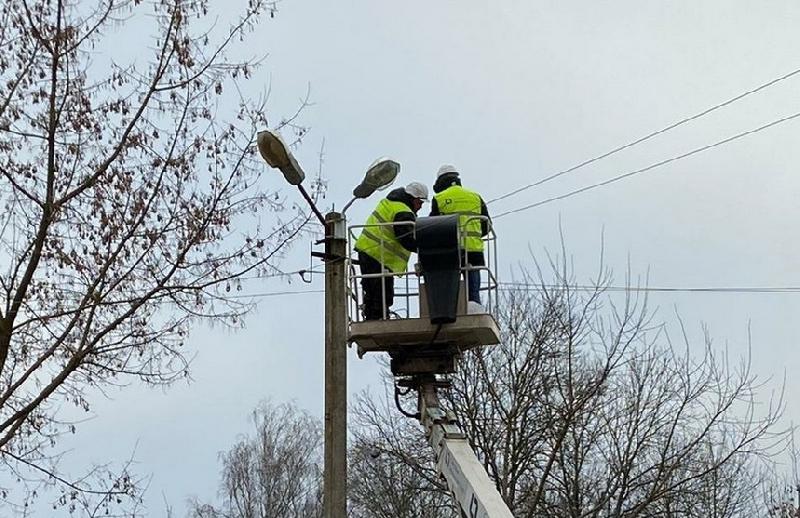 Монтаж новых светильников в Смоленске завершится к началу марта